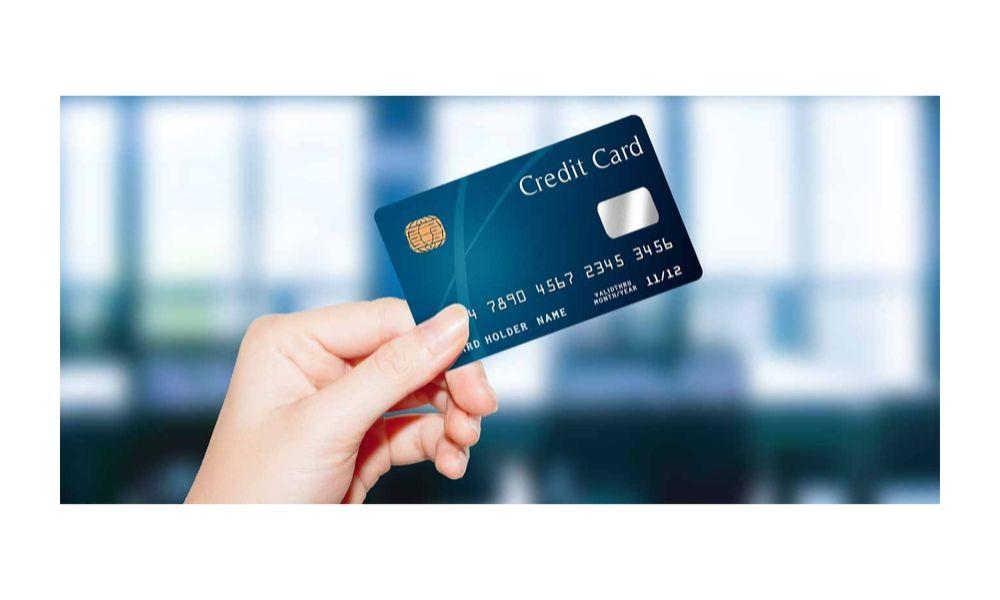 三井住友VISAデビュープラスカードは他のカードと何が違う?